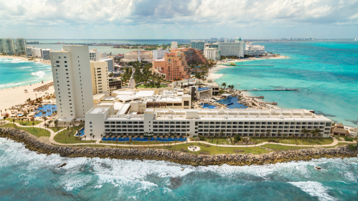 Cancun All-Inclusive for 2: Prepare to be WOWED!